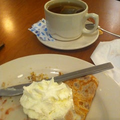 Photo taken at Crepes Parisiennes by Donna M. on 1/15/2013
