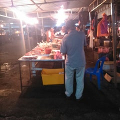Photo taken at Pasar Borong Kemunting by Nini D. on 1/3/2014