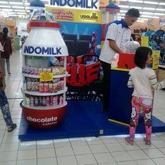 Photo taken at Giant Hypermarket by Rasyid U. on 3/15/2014