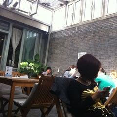 Photo taken at 葡萄院儿 Vineyard Cafe by Erika B. on 4/28/2013