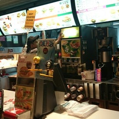 Photo taken at McDonald's by Ivia A. on 12/3/2014