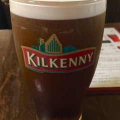 Photo taken at Irish Pub Stasiun 田町店 by いぬマン on 11/26/2015