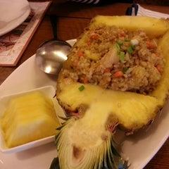 Photo taken at 헬로타이 (Hello Thai Restaurant) by Donghwan K. on 2/16/2013