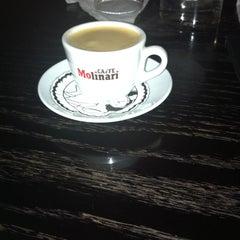 Photo taken at La Maison Du Cafe by Yara N. on 3/31/2015