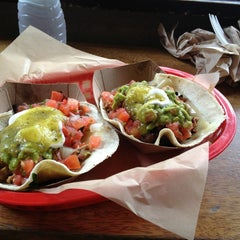 Photo taken at Dos Toros Taqueria by Colleen L. on 6/30/2013