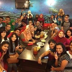 Photo taken at Restoran Qasar Hadramawt by Shafiq D. on 7/8/2015