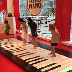 Photo taken at FAO Schwarz by Chris L. on 6/22/2013