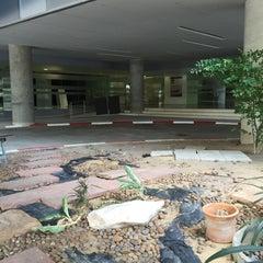 Photo taken at คณะทันตแพทยศาสตร์ (Faculty Of Dentistry) by Niki P. on 7/11/2015