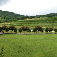 Photo taken at Victoria Valley Vineyards by Sarah F. on 7/20/2013