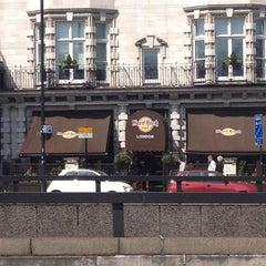 Photo taken at Hard Rock Cafe London by Ali D. on 4/21/2013
