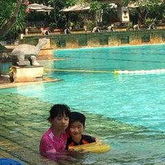 Photo taken at Pantai Mutiara Swimming Pool by Veronica K. on 7/4/2015