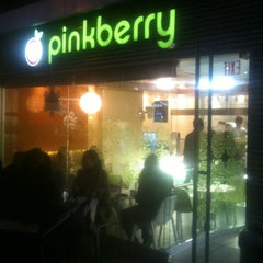 Photo taken at Pinkberry by William D. on 12/4/2012