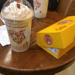 Photo taken at J.Co Donuts & Coffee by Fika V. on 9/5/2015