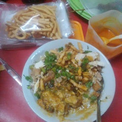 Photo taken at Bubur Ayam Special Barito by Fraswita A. on 7/19/2014