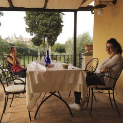 Photo taken at Agriturismo Guardastelle - Sovestro in Poggio Winery by Fausto M. on 10/8/2014