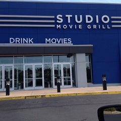 Photo taken at Studio Movie Grill by Howard B. on 9/16/2013