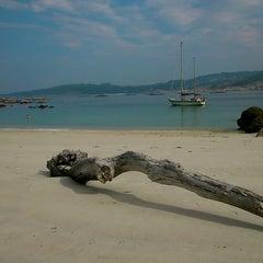 Photo taken at Praia de Castiñeiras by Nika on 9/27/2014