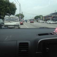 Photo taken at Kepala Batas by Nisa E. on 6/16/2015