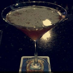 Photo taken at Oggis Pizza & Brewing Co by Jeronica on 5/2/2015