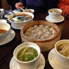 Photo taken at Din Tai Fung Dumpling House by Grace K. on 11/12/2012