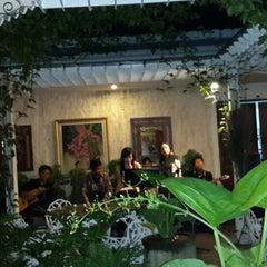 Photo taken at Goela Klapa Restaurant by Dwi B. on 1/9/2014