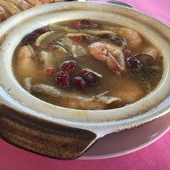 Photo taken at Jeti Kuala Selangor Seafood Restaurant by Dicklin C. on 3/7/2015