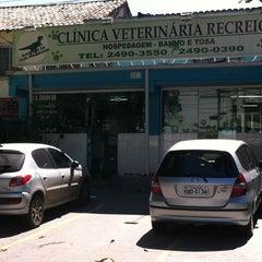 Photo taken at Clínica Veterinária Recreio by Licinio J. on 2/2/2013