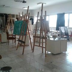 Photo taken at Güzel Sanatlar Fakültesi by Özlem K. on 5/4/2014