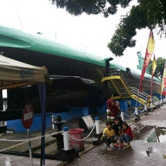 Photo taken at Monumen Kapal Selam by Raden Ajeng Amalia K. on 12/20/2013