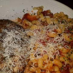 Photo taken at Carrabba's Italian Grill by Ronald R. on 6/7/2014