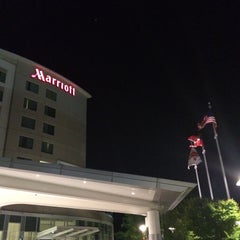 Photo taken at Atlanta Airport Marriott Gateway by Luis Rafael V. on 5/24/2015