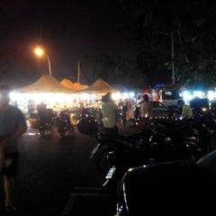 Photo taken at Pasar Malam Sri Rampai by Charlie T. on 9/24/2015
