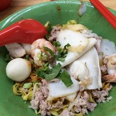 Photo taken at Marine Terrace Market & Food Centre by Edwin K. on 6/28/2014