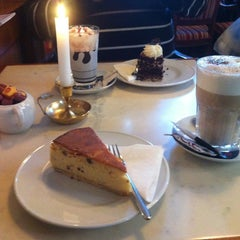 Photo taken at Cafe Schinkelwache by Инна Я. on 12/16/2013