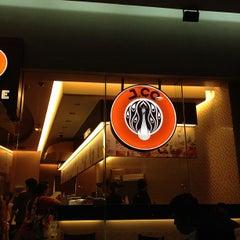 Photo taken at J.CO Donuts & Coffee by Glenn G. on 9/15/2012