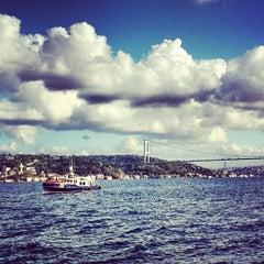 Photo taken at Emirgan Sütiş by Taner U. on 9/22/2013