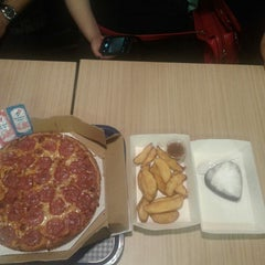 Photo taken at Domino's Pizza by Lia H. on 5/14/2015