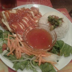 Photo taken at Do An Vietnamese Experience by Lia H. on 4/18/2015