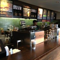 Photo taken at Starbucks by Pepe F. on 8/7/2013