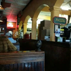 Photo taken at Elizabeth's Pizza Italian Restaurant Pizza and Subs by Bill H. on 8/10/2015