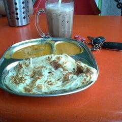 Photo taken at Restoran Impian Maju by Pji P. on 4/19/2013