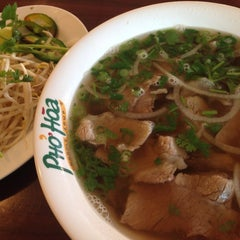 Photo taken at Pho Hoa Noodle Soup by Ryan on 10/21/2014
