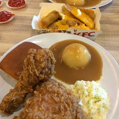 Photo taken at KFC by N A D I A on 10/8/2015