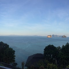 Photo taken at Koh Ngai Cliff Beach Resort by Nupuii A. on 2/27/2015