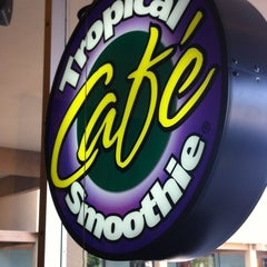 Photo taken at Tropical Smoothie Cafe by Jared L. on 7/5/2012