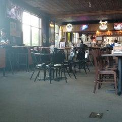 Photo taken at Austin's Pizza by Ryan T. on 6/11/2014