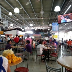 Photo taken at Super Tanker Food Centre (美麗華飲食中心) by Christopher C. on 11/19/2012