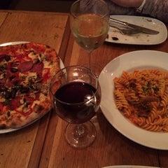 Photo taken at Taglio Pizza Kitchen by Samuel Isiah C. on 2/14/2014
