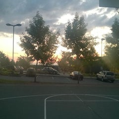 Photo taken at KCLS Sammamish Library by Robin W. on 7/23/2014