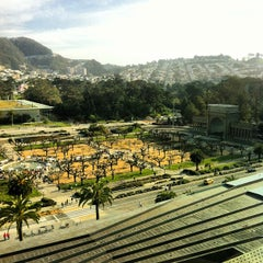 Photo taken at de Young Museum by Zac R. on 2/20/2013